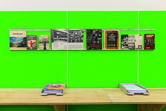 Onderzoeksbibliotheek LEARNING LABORATORIES. Boeken, brochures en rapporten uitgegeven door Educational Facilities Laboratories, 1960-1980. Foto: Tom Janssen