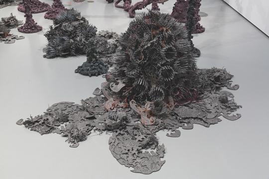 Tanja Smeets, NEBULA AND THE SOFT MACHINE, 2015. Foto: Josefina Eikenaar / TextielMuseum